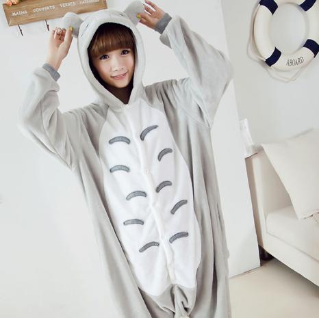 hemos preparado para ti una selección de disfraces de Totoro, Pikachu y Rilakkuma para que seas el más suavecito y kawaii este carnaval